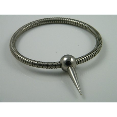 Halsband met bolsluiting en spike
